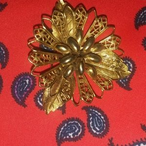 """Vintage broach approx 2"""""""